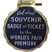 New York 1939 World's Fair cardboard badge near mint condition