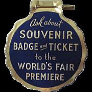 New York 1939 World's Fair cardboard badge near mint condition