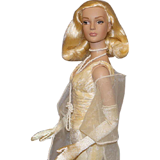 "Robert Tonner Fashion Doll - ""Sheer Glamour"" - Sydney Chase"
