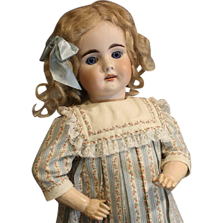 Closed Mouth  Antique German Doll by Bahr & Proschild