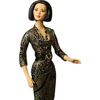 "Robert Tonner Fashion Doll - Tyler Wentworth - ""First Appointment Mei Li"" - NRFB"