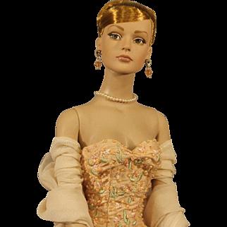 "Rare Tonner Fashion Doll - TylerWentworth - ""Sydney Chase""-'Savior-Faire' - NRFB"