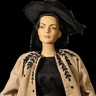"Robert Tonner Fashion Doll - 'Sydney' - - ""Sensational-Raven"""