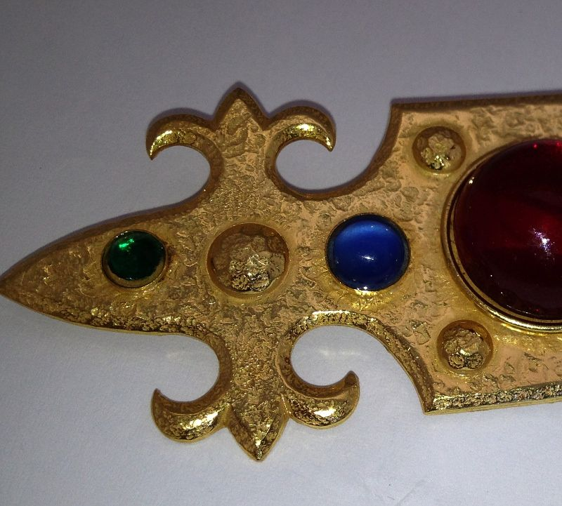 Vintage Miriam Haskell Heraldic Shield French Fleur de lis brooch pin
