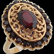 14kt Ladies Victorian garnet ring