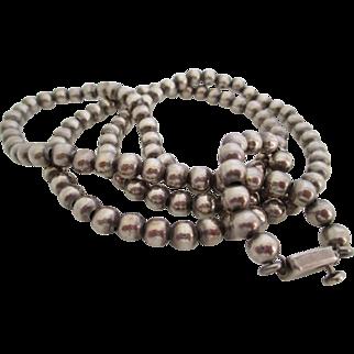 Ladies vintage sterling bead necklace.