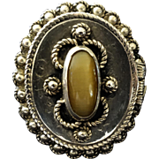 Poison Ring - golden cat's eye and filigree