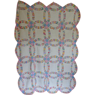 Double Wedding Ring Quilt - 1930's - Feed Sacks Pretty!