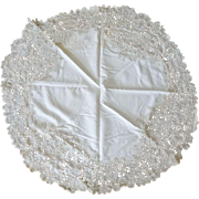 "Vintage 1920's 48"" Round Linen Tablecloth Fine Battenberg"