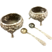 Pair Antique Kirk & Son Sterling Silver Footed Repousse Salt Cellars W Spoons