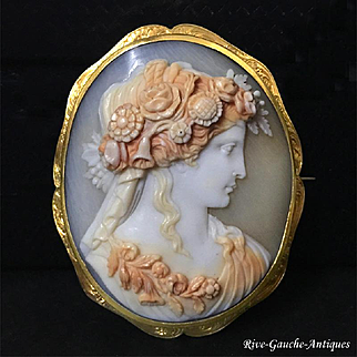 18kt gold large Museum Quality Shell Cameo Brooch of Goddess Flora, 19th century