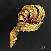 18k Gold feather brooch with garnets, 1960s