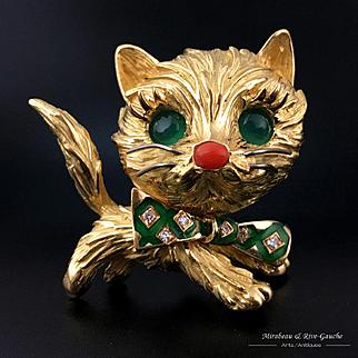 French 18k gold 3D cat figural brooch, eyes & diamond