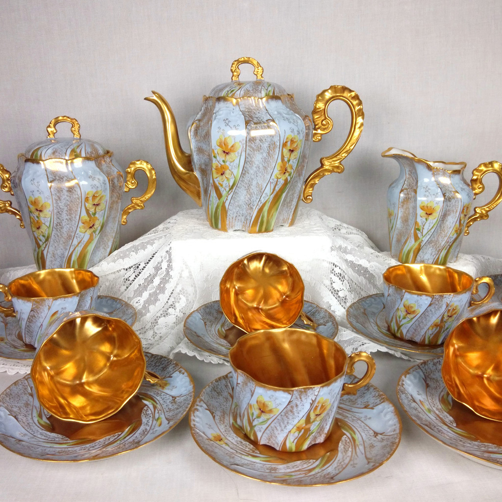 Antique french limoges hand painted tea set of 17 pieces for Antique decoration pieces