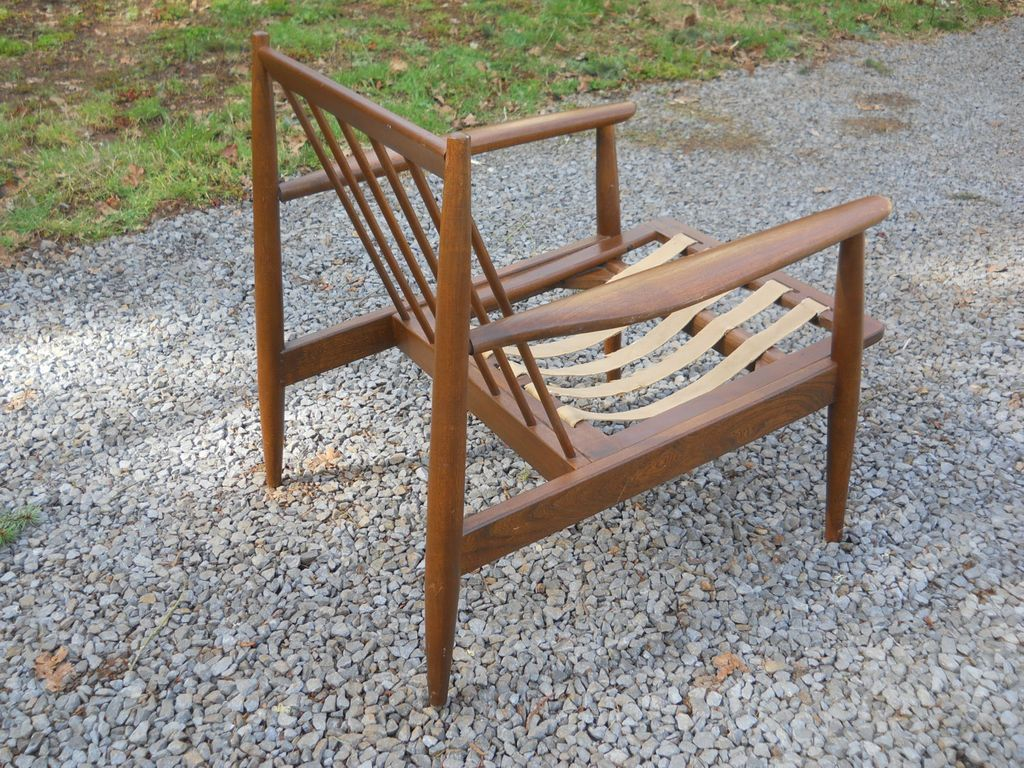 Vintage 1950s Danish Modern Signed Baumritter Walnut Wood Arm Chair . Full resolution  photograph, nominally Width 1024 Height 768 pixels, photograph with #6A452A.