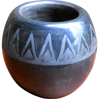 Vintage Miniature Southwest Native American Black on Black Santa Clara Pueblo Pottery Bowl Seed Pot