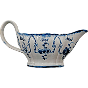 18thC English Pearlware Featheredge Queen's Blue Pattern Sauce Boat - 18th Century, England