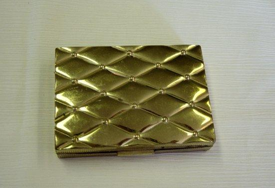 Vintage Quilted Top Gold Tone Compact