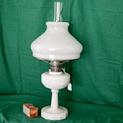 Vintage Alladin Lincoln Drape Alacite Oil Lamp With Shade