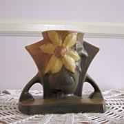 Vintage Roseville Clematis Cornucopia 192-5 Vase 1944