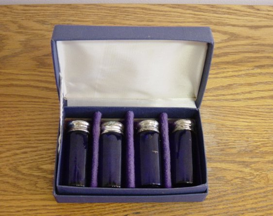 Vintage Williams Adams Cobalt Blue Set Of 4 Saltshakers