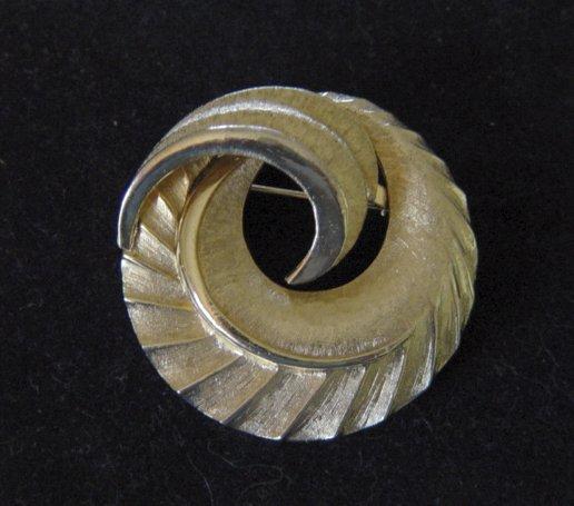 Coro Gold Metal Swirl Brooch