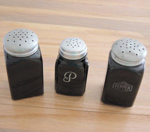 Vintage Black Onyx Shakers Set Of Three