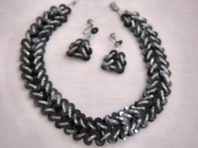 Vintage Black Plastic Disk  And Silver Necklace And Earrings