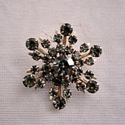 Vintage Light Lavender 6 pointed Rhinestone Brooch