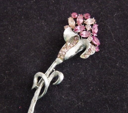 Vintage Coro Pinks And Silver Tone Metal Flower Brooch