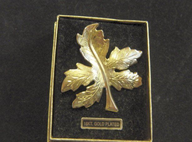 18Kt Gold Plated Maple Leaf Pin