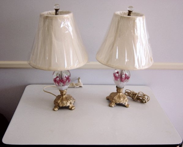 Vintage St Claire Bedroom Pink Lily  Lamps