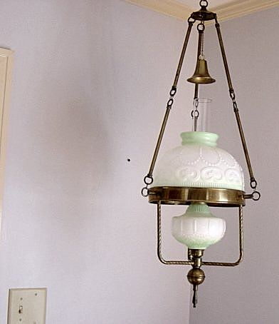 Vintage Hanging Gone With The Wind Oil Lamp