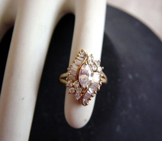 Vintage Gold Tone And Stones Coctail Ring