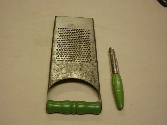 Vintage Shredder And Peeler Green Wood Handles