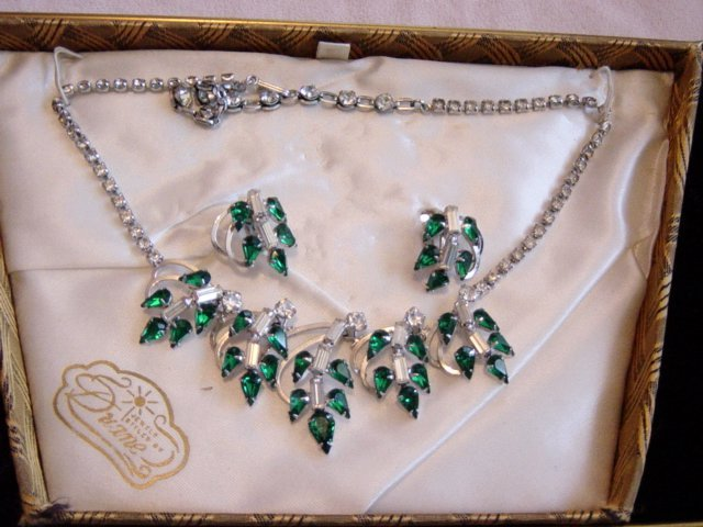 Jewelry Styled By Duane Emerald Green/Rhinestones Necklace And E/R  Set