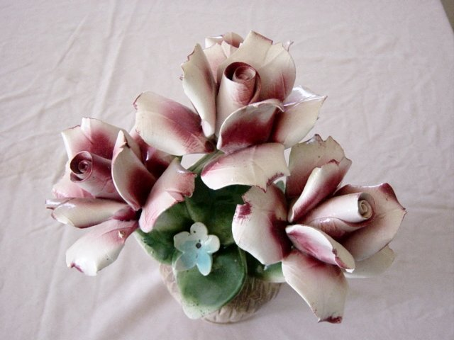 Capodimonte Variegated Pink Roses Vase