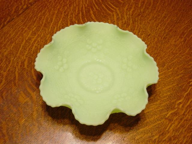 Vintage Fenton Custard Glass With Scalloped edge Fruit Bowl.