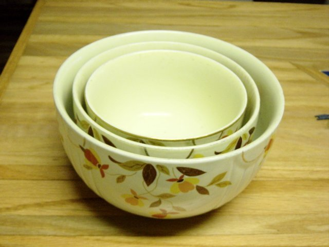 Vintage Hall's 3 Piece Mixing Bowl Poppy Pattern