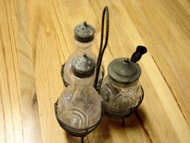 Vintage 3 Piece Condiment Set In Wire Rack