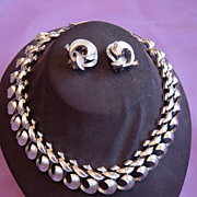 Lisner Heavy Silver Metal Necklace And Earrings