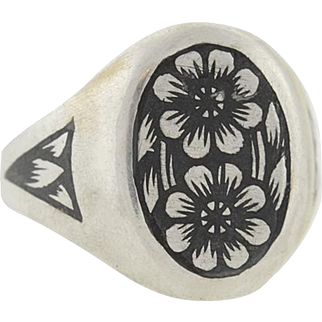 "Late Victorian Russian ""Tula Silver"" Niello Flower Ring"