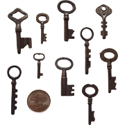 Small Set Of 10 Vintage Skeleton Keys