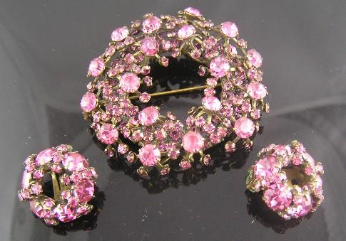 Perfectly Pink Warner Richelieu Wreath Brooch & Earrings