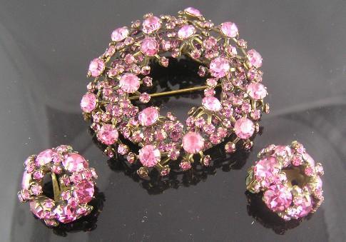 Perfectly Pink Warner Richelieu Wreath Brooch & Earrings