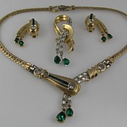 Top of the Line!  Mazer Green Dangle & Baguette Full Parure