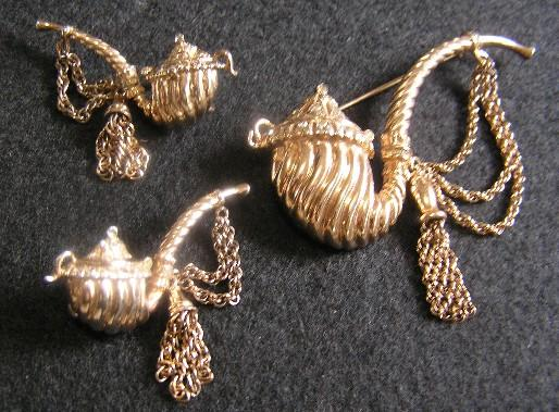 Nettie Rosenstein Sterling Silver Pipe Brooch & Earrings