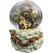 Wonderful Teddy bear Angel snow globe