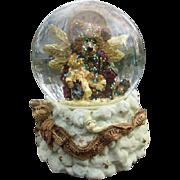 Wonderful Teddy bear Angel snow globe