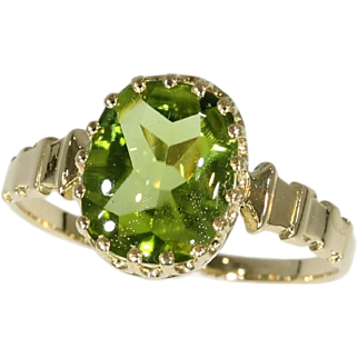 Fine antique French 18K yellow gold ring with peridot
